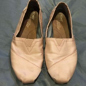 Toms in blush pink